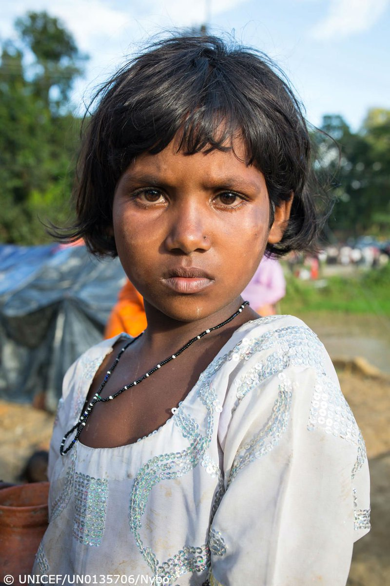 A future at risk.  We're calling on world leaders to provide urgent life-saving funds to Rohingya children in Myanmar AND Bangladesh → https://t.co/oemNVESKnL
