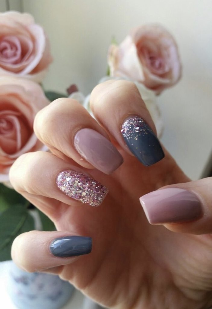 Gel Nail Varnish On Twitter Https T Co Unjq2jm6hf Pink Grey Glitter Pinkglitter Nails Nailart Gelnails Pinknails