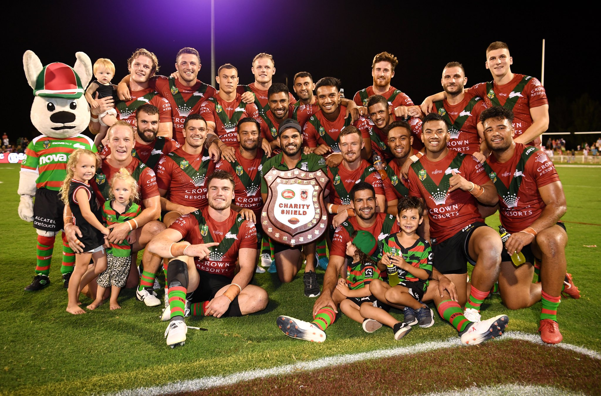 RT @SSFCRABBITOHS: We retain the 🛡for the 6th year straight! 🐇   #GoRabbitohs #CharityShield https://t.co/CPfuoNz540