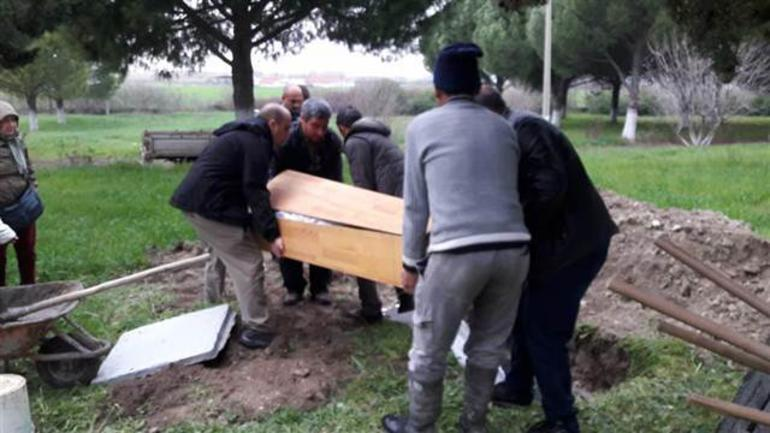 Atheist man buried with belongings in non-religious ceremony in Turkey's Ayvalık  https://t.co/36hw6fhqPC