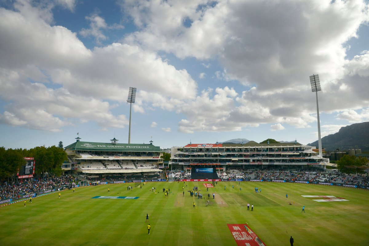 It's the decider! Virat Kohli is missing due to a sore back, Rohit Sharma leading in his place as South Africa win the toss and field in Cape Town. Who will win the series?  #SAvIND LIVE ➡️ https://t.co/tWQG20g5Mh