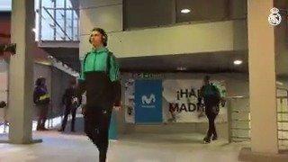 🏟 الشباب وصلوا إلى الملعب!👊  #هلا_مدريد...