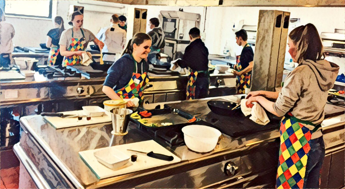 So...the Junior Chefs Academy is back @TraffordCollege  One 'full' classroom of 13-16 year olds engaging in all things cooking #futurestudents #futurechefs #futurestars<br>http://pic.twitter.com/kJn8l8i6bx