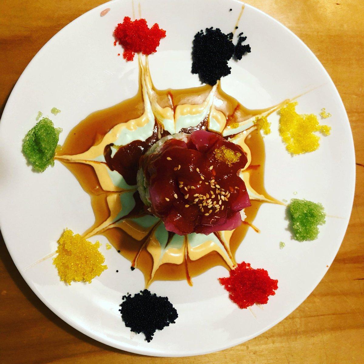 Omg gimme in my mouth #sushi instagram.com/p/BgK2EYEFO99/