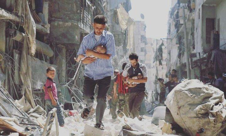Siria, fuga dopo bombardamento