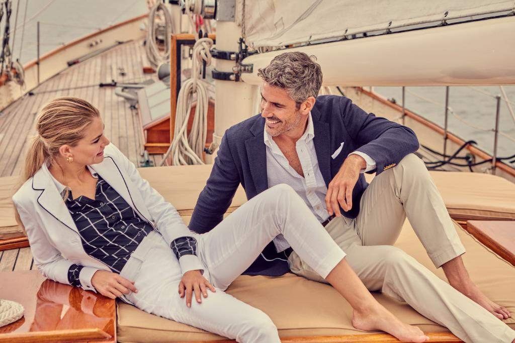 American summer style on deck. #BrooksBrothers https://t.co/UnaWnPAour https://t.co/EdQtG3i8Il