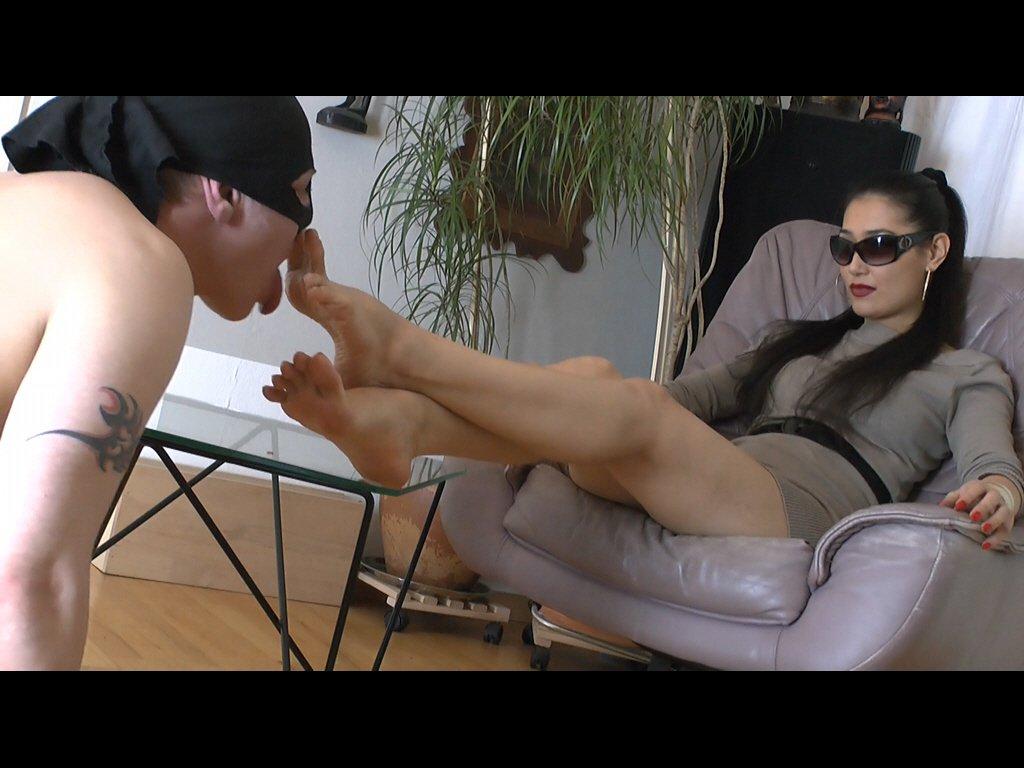 #footmistress #mistress #slave #footgodd...