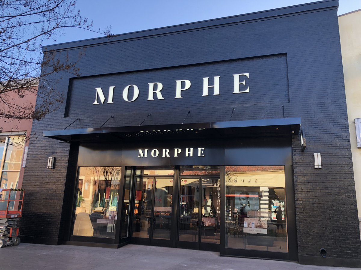 Morphe On Twitter Hey Fresno The Morphefam Has Come Your Way Our Brand New Store Is Officially Open At Fresno Fashion Fair Come Say Hey And Stay Tuned For Upcoming Event Deorro chris brown five more hours. hey fresno the morphefam has