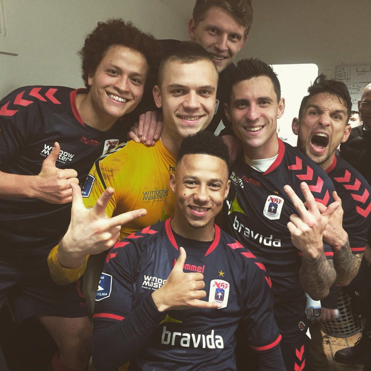 3 point!!  #ultratwitteragf <br>http://pic.twitter.com/jpjGGaOaJH