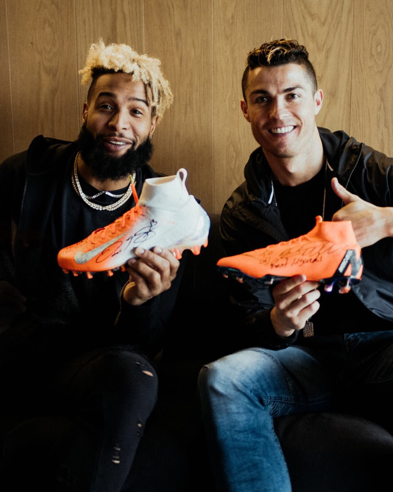 Fast meets Fast ⚡ Great to meet you brother! #bornmercurial #mercurial #nikefootball https://t.co/Kfp3acbLRm