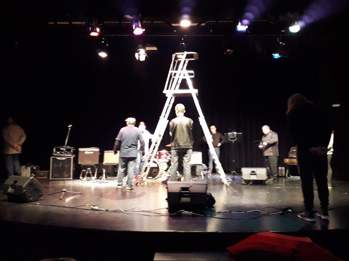 Preparando concierto con @GrupoContraBan...