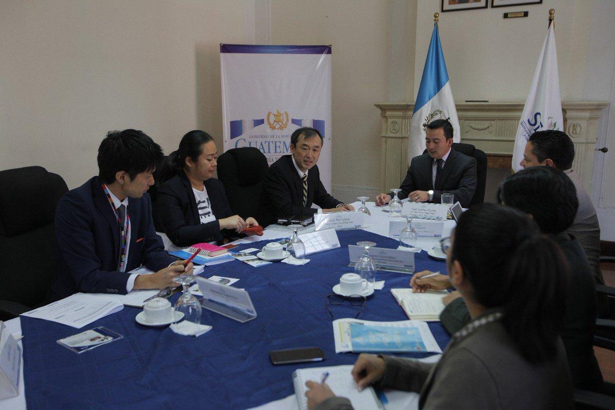 [AHORA] El secretario de #SESAN, Juan Carlos Carías se reúne con Seiji Tomiyasu, representante residente de la Agencia de Cooperación Internacional del Japón en Guatemala, para concer el trabajo de la agencia en el país.