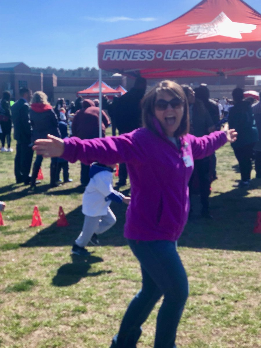 Had a blast joining in on the @Boosterthon fun run with @Landstown_ES !