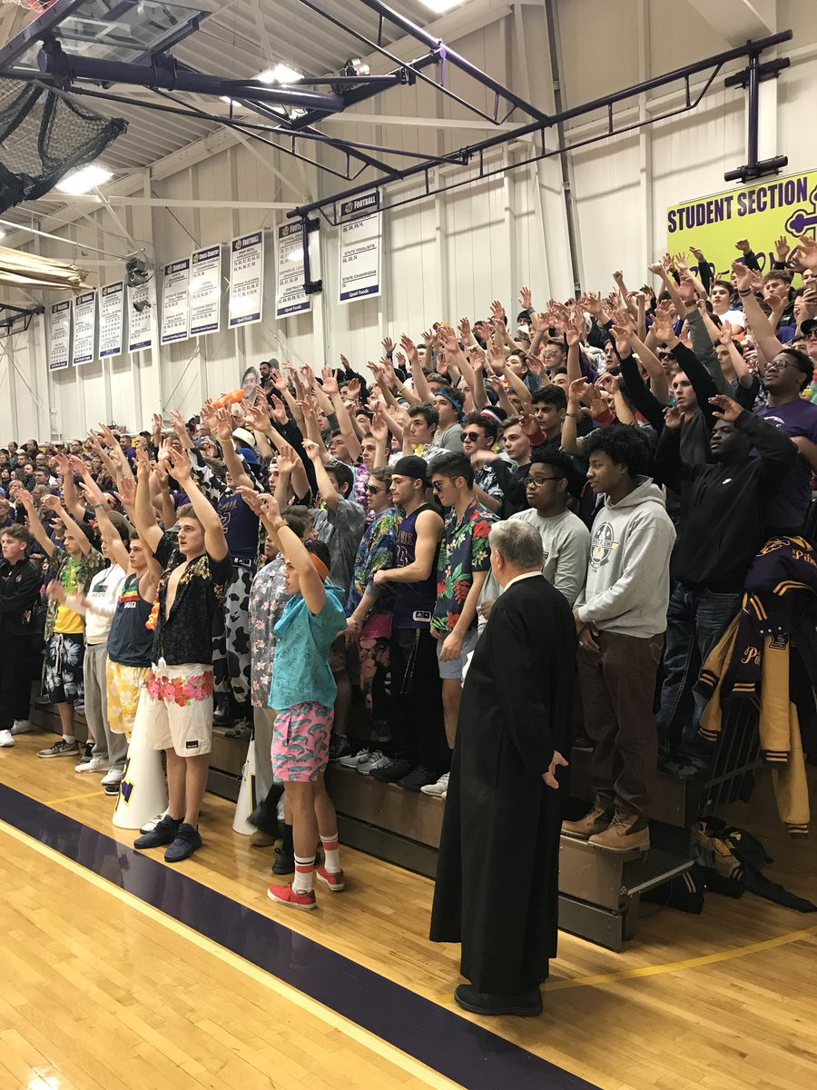 Amazing support from the @DLSBrozone at tonight's district final @DeLaSalle_BB game. School pride at its best. @DLSBrozone is back!!! #schoolpride #warrensbest