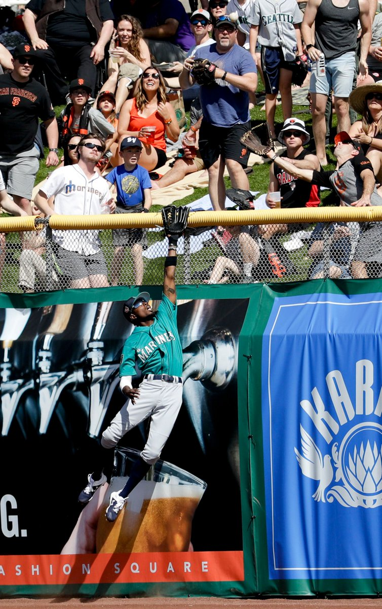 Dee Gordon — yes, Dee Gordon — homered twice, but James Paxton was roughed up again as the Giants outslugged the M's https://t.co/Sr29KI9gqc