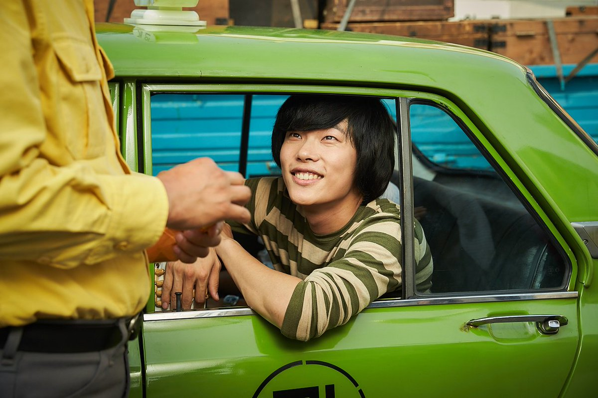 映画 手 タクシー 運転