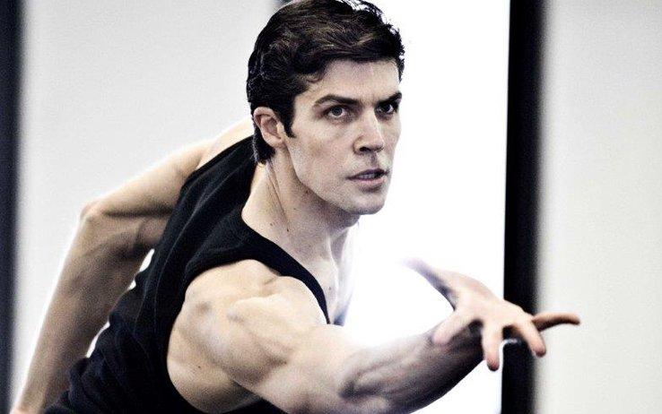 Scala, Roberto Bolle debutta in 'Bolero': le foto del backstage https://t.co/DOc1EZBUxR #intrattenimento