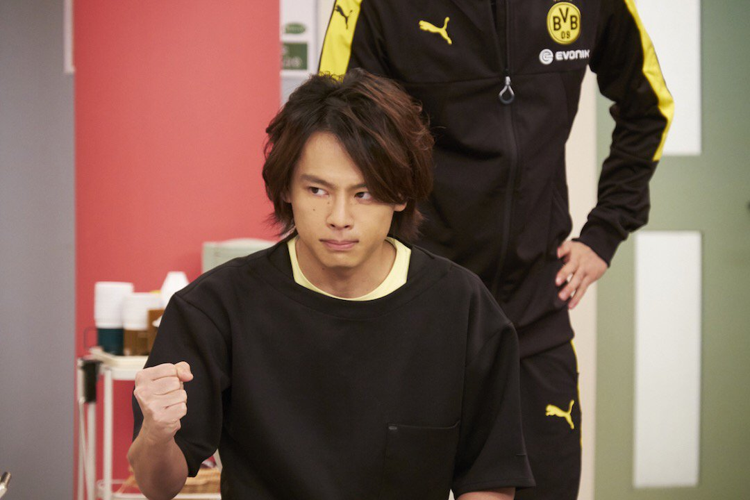 中川晃教 さんが朝までの勢いで討論をしきり、そして 浦井健治 さんは真剣な表情で熱弁の、第11話 メ