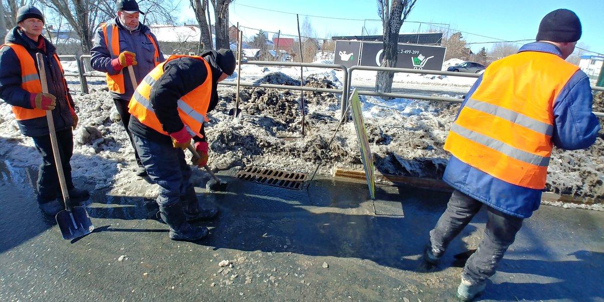 «Иван Иванович, чего дожидаетесь?»: По только что отремонтированному Московскому шоссе уже пошли трещины