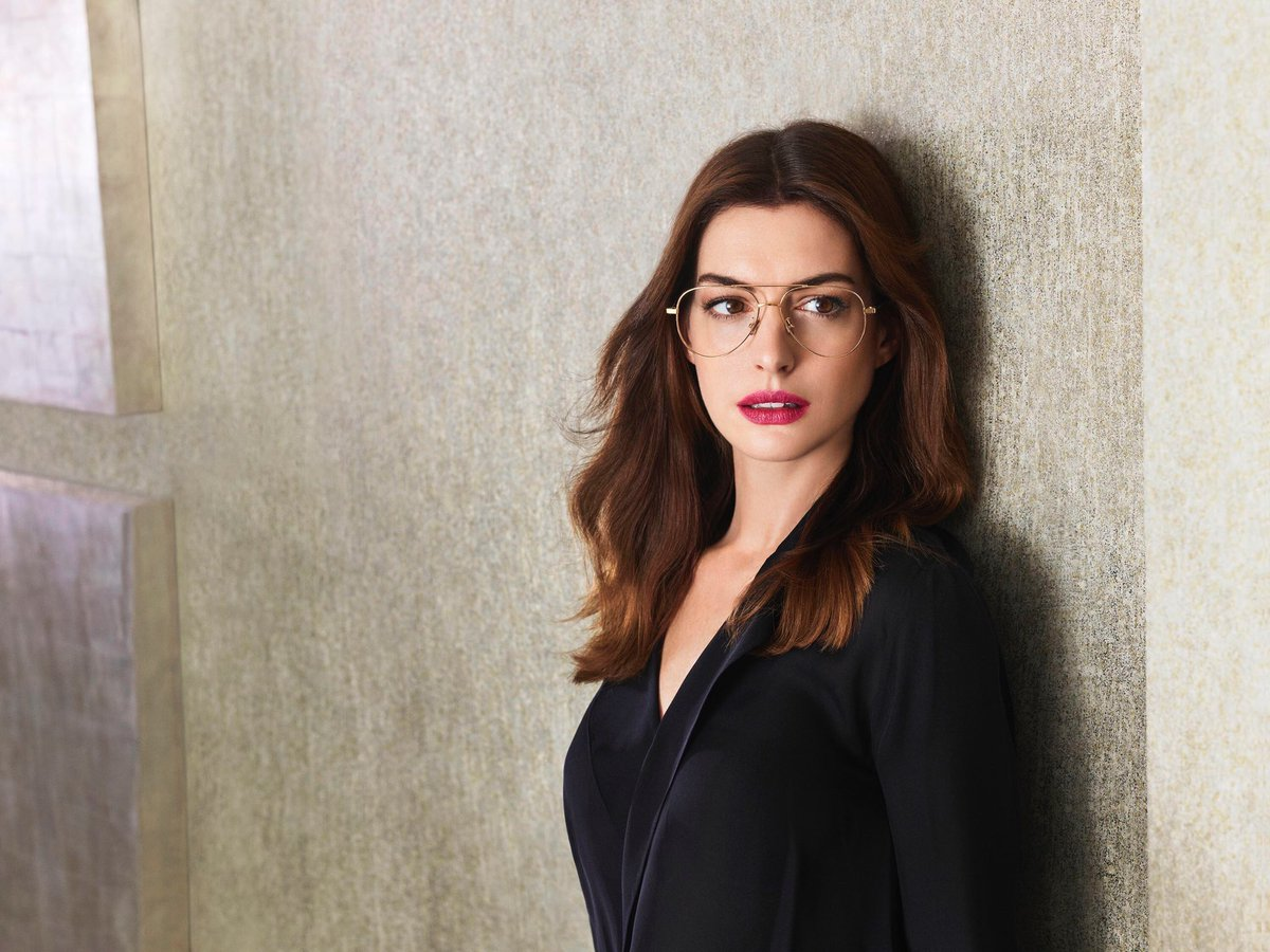 Anne Doing Things On Twitter Anne Hathaway Wearing Glasses Part 2 2018