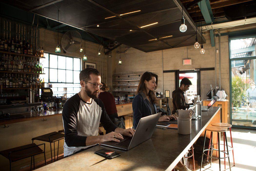 #远程工作 #自由职业 // 为什么咖啡馆变成了另一个办公室? https://t.co/EmKVziq0HC https://t.co/rbXslWJUaU 1