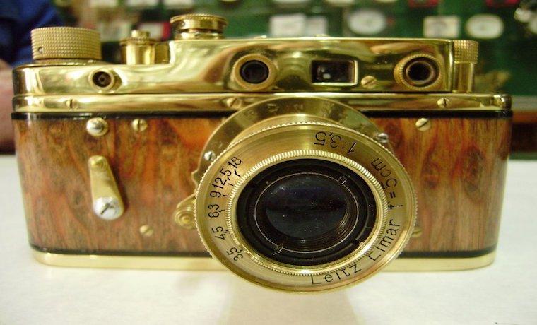 Una cámara Leica se convirtió en la más cara de la historia por 2,4 millones de euros  https://t.co/FB6g0jHxI5  https://t.co/oooyLWeX7M
