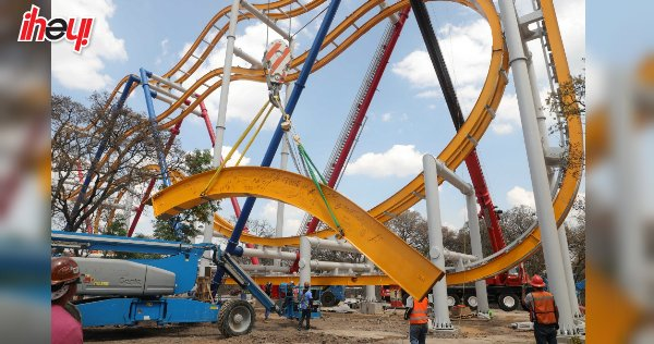 🎢 Colocan última pieza de Wonder Woman C...