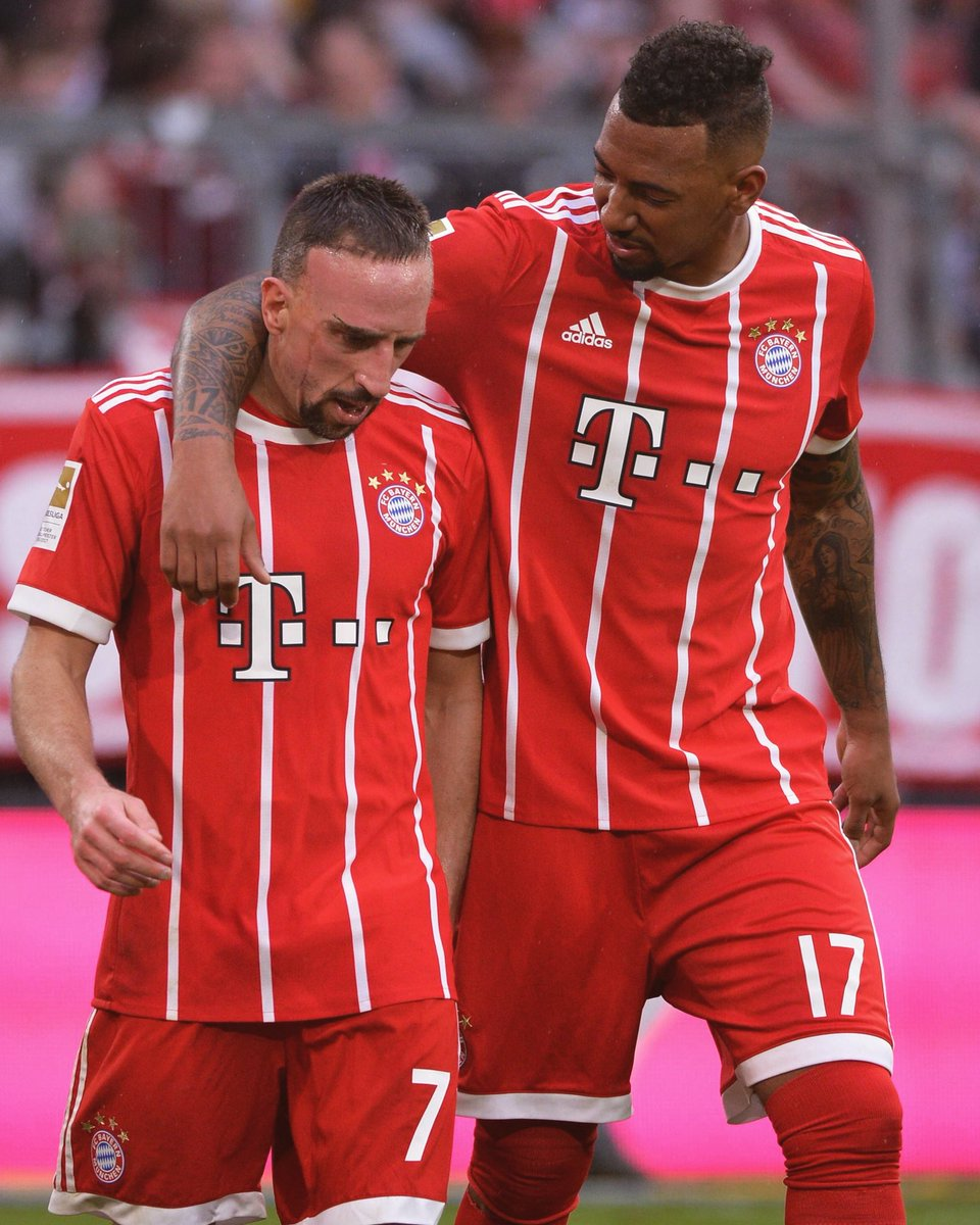 Successful 250th game for @FCBayern 🙌🏾 T...