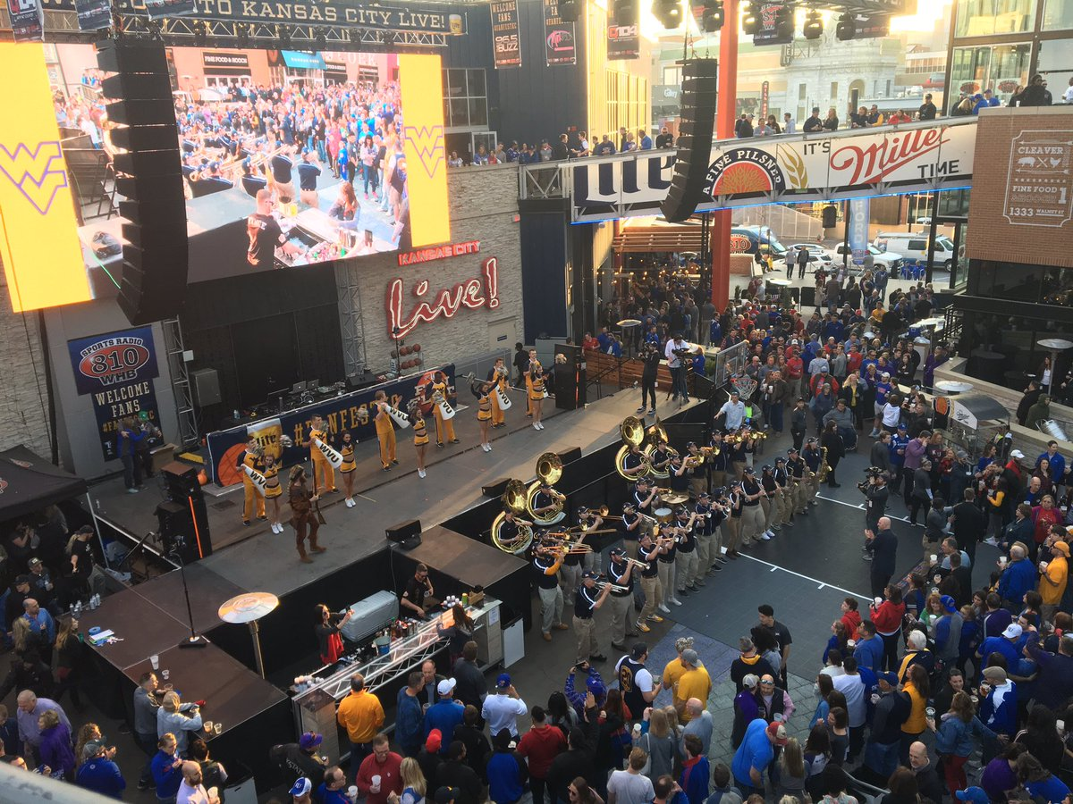 3:30 PM CT: #WVU Pep Rally At The Power U0026 Light District 5 PM CT:  Tipoff!pic.twitter.com/85ArZFGRmJ