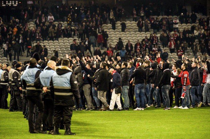 Лига 1. Болельщики Лилля набросились на своих футболистов, Нант поднялся на еврокубковое место - изображение 3