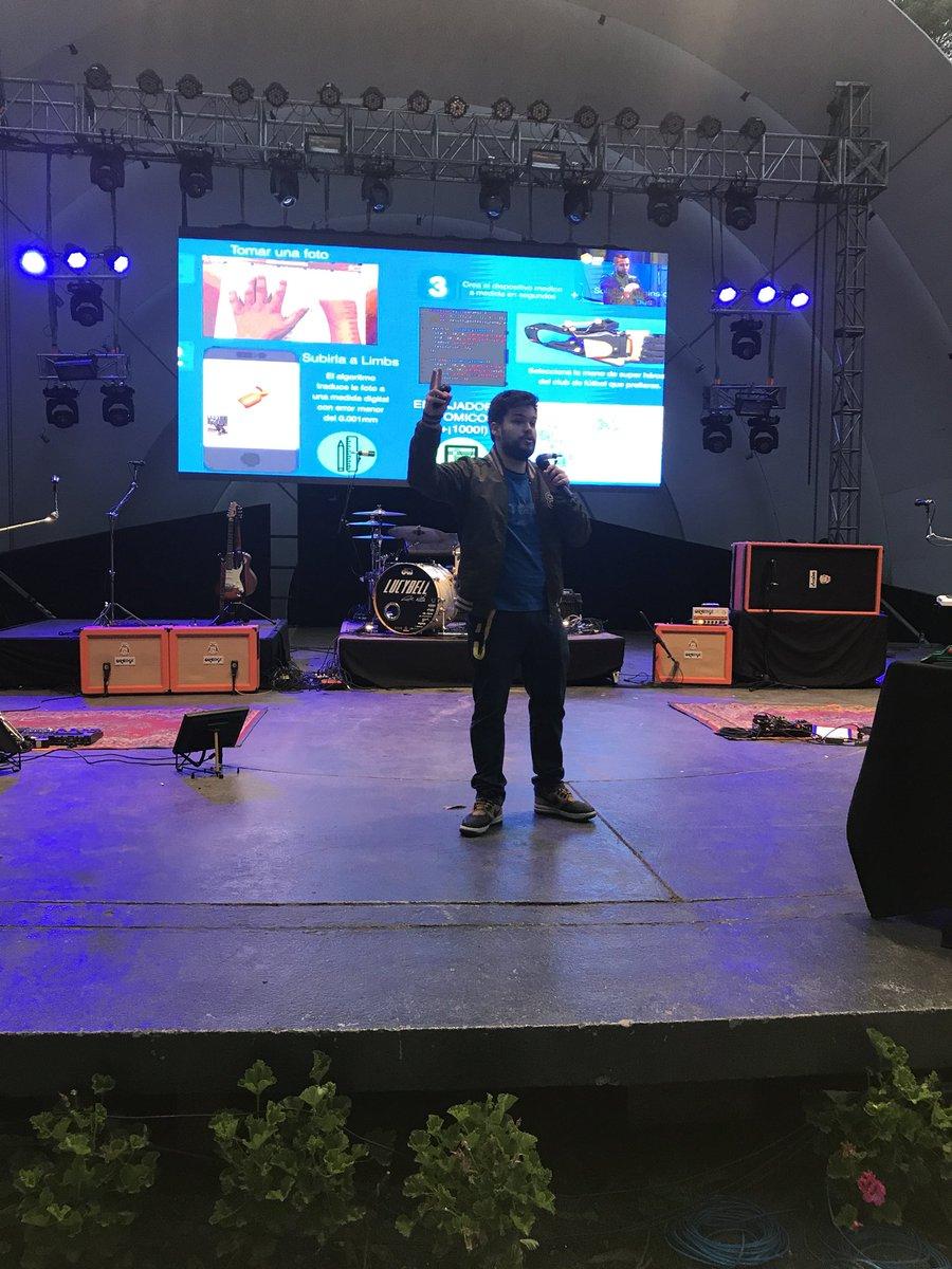 El capo @ginotubaro en el escenario prin...