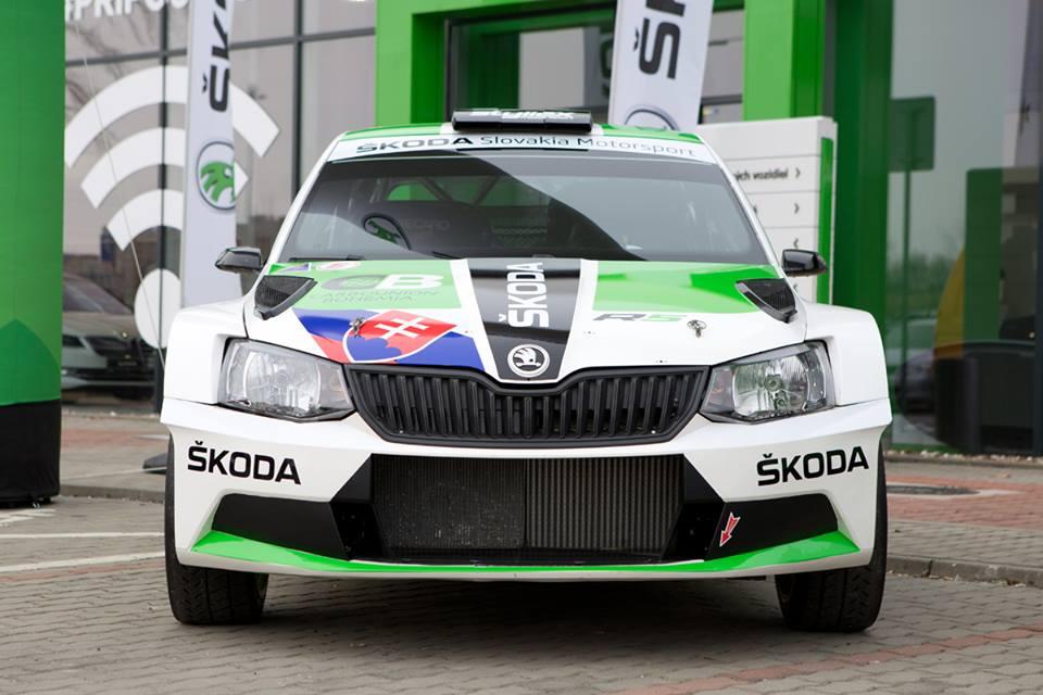 FIA European Rally Championship: Temporada 2018 - Página 3 DXD6nOhX0AIfWSj