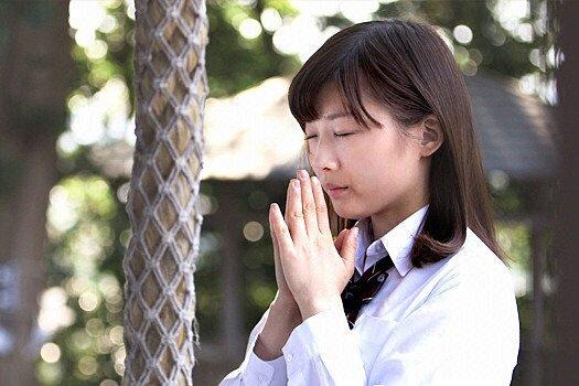 女子高生スタイルの伊藤沙莉さん