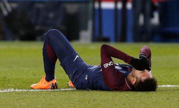 Neymar será operado y estará parado dos meses