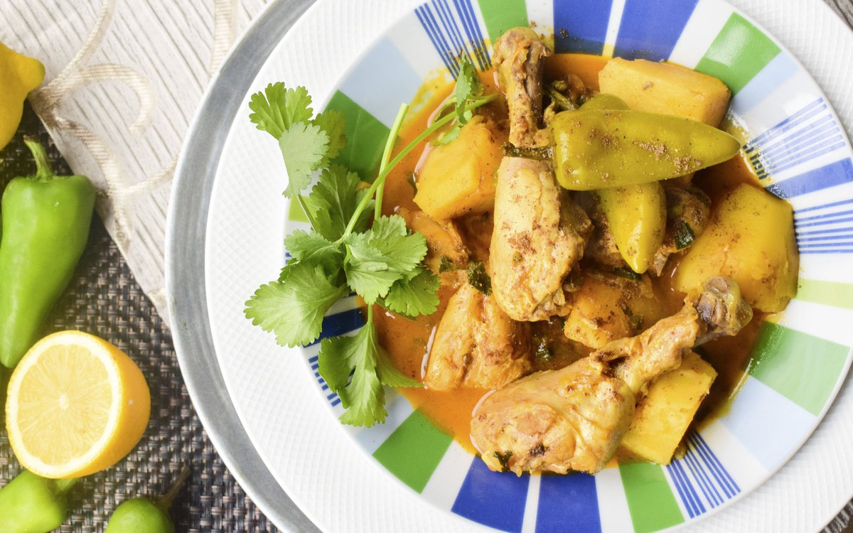 Halal Plates On Twitter Chili Potato And Chicken The Aromatic Flavor And Fragrance Of The Green Chili Is What Makes This Curry Mouth Watering This Is A Perfect Saucy Curry For The Winter