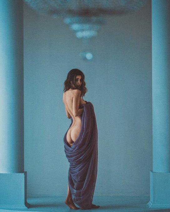 #art #nudeart #milaazul #top #blue https://t.co/Y3NySUmn81
