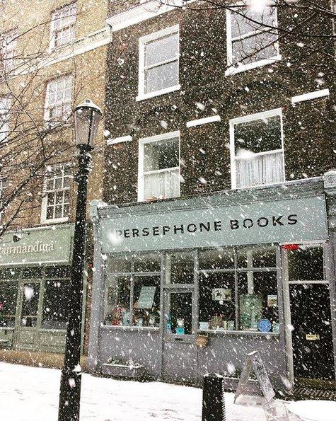 """Persephone Books, la boutique et les """"produits dérivés"""" DXH3BlaWAAEtryX"""