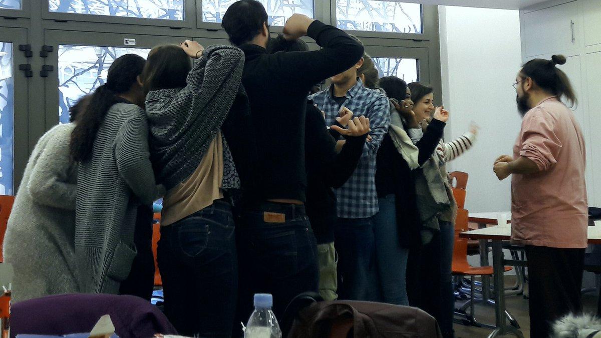 Les jeunes en #servicecivique chez @emma...