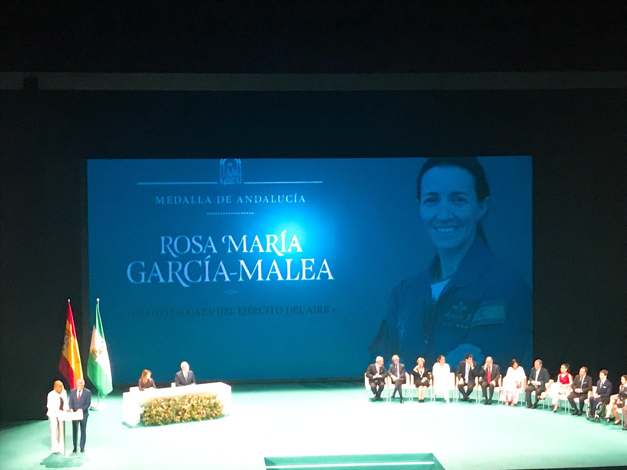 La primera piloto de caza del ejército española, Rosa María García-Malea #MedallasDeAndalucía https://t.co/75R22vZn3c