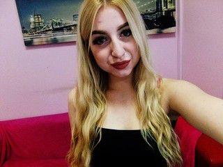 That live amateur girl webcam