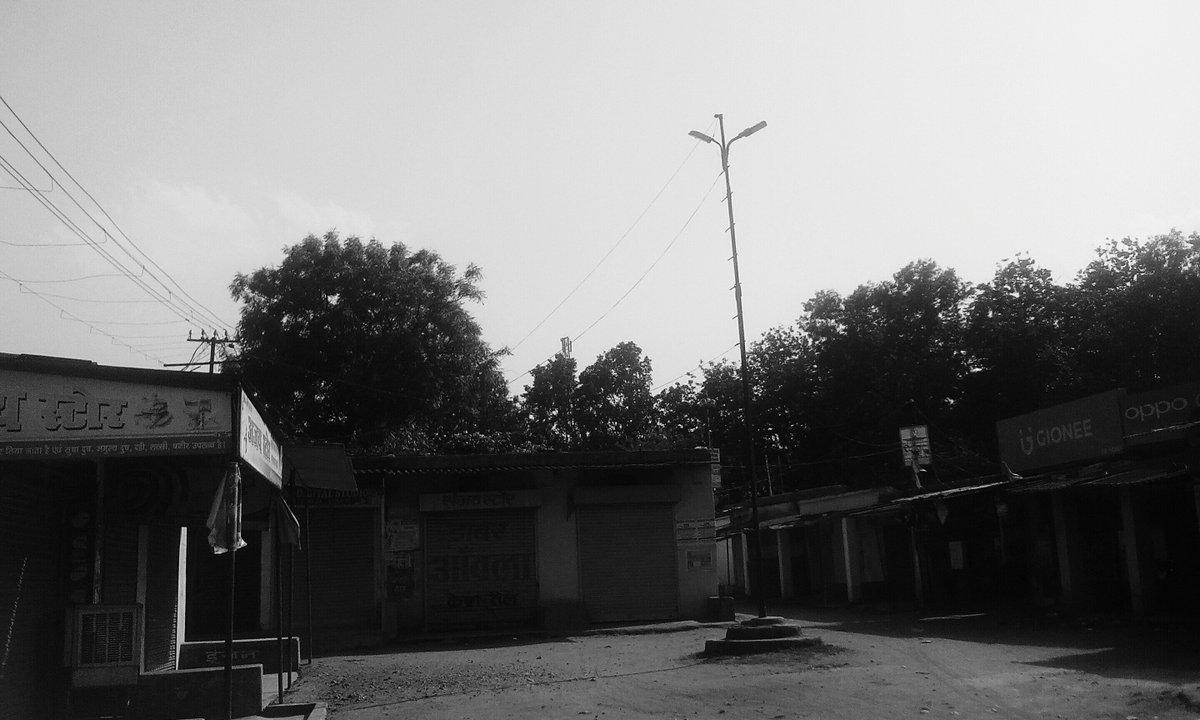 My neighborhood  I take this picture and edited like desolated wasteland #MinePhotography  #Desolationpic.twitter.com/oLxPOU2JoZ