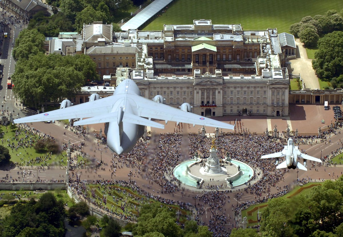 What are your plans on the 10th July? Do you want to be part of our centenary celebrations? Apply for tickets for a service at Westminster Abbey, parade and a spectacular fly-past over Buckingham Palace #RAF100 Take a look: ow.ly/meSk30iCo0x
