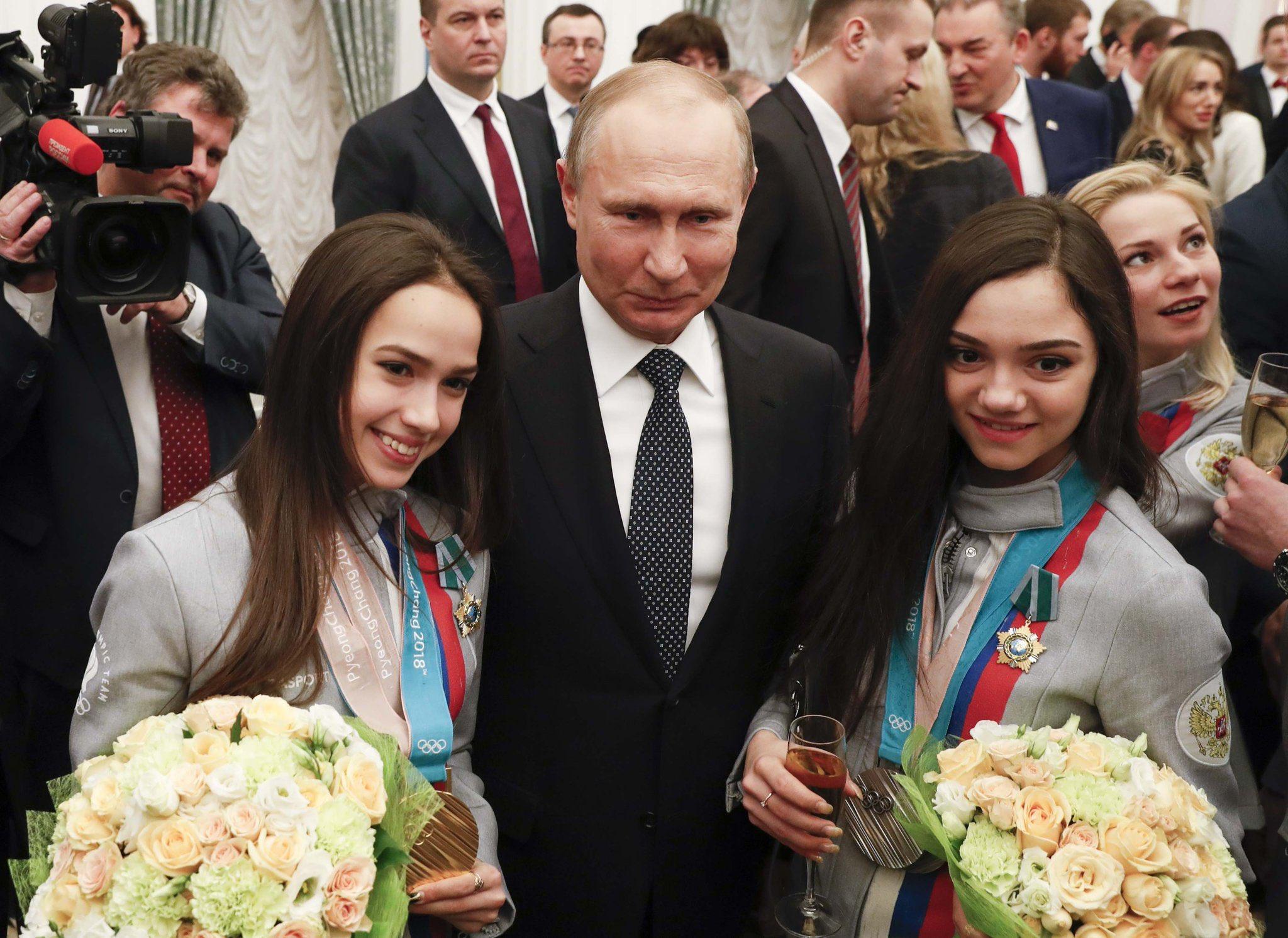 Какие марки авто подарил олимпийцам В.В. Путин за победу в ...