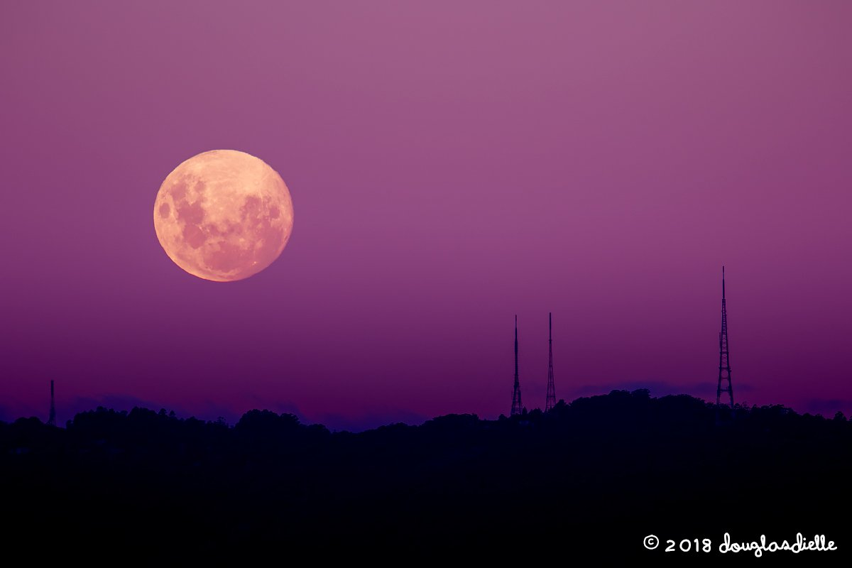 Moonrise on the Dandenong Ranges