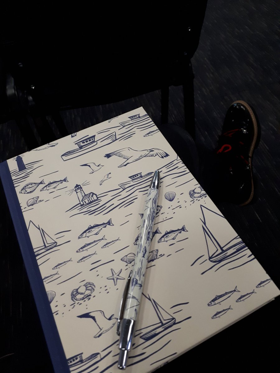 My lovely @CornflowerLtd notebook and pen has been a lifesaver today at #ACE2018 for jotting down notes from the #SizzlingSeminars and contact details during some #NiftyNetworking https://t.co/GtoEQugzXu