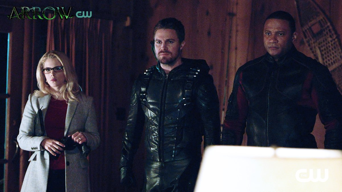 Friends turned into foes. New episode of #Arrow TONIGHT at 9/8c on The CW! https://t.co/4vHJrBNQb3