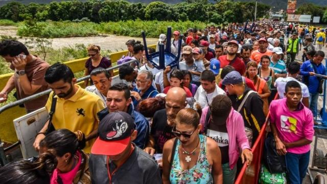 As Pres Maduro's autocratic rule devastates the once-oil-rich Venezuelan economy, the number of Venezuelans fleeing to find food and medicine is approaching the number of Syrian refugees. https://t.co/WZ5zuluaxB