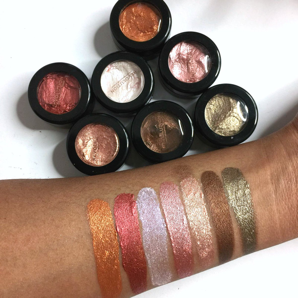 Makeup revolution flawless foils