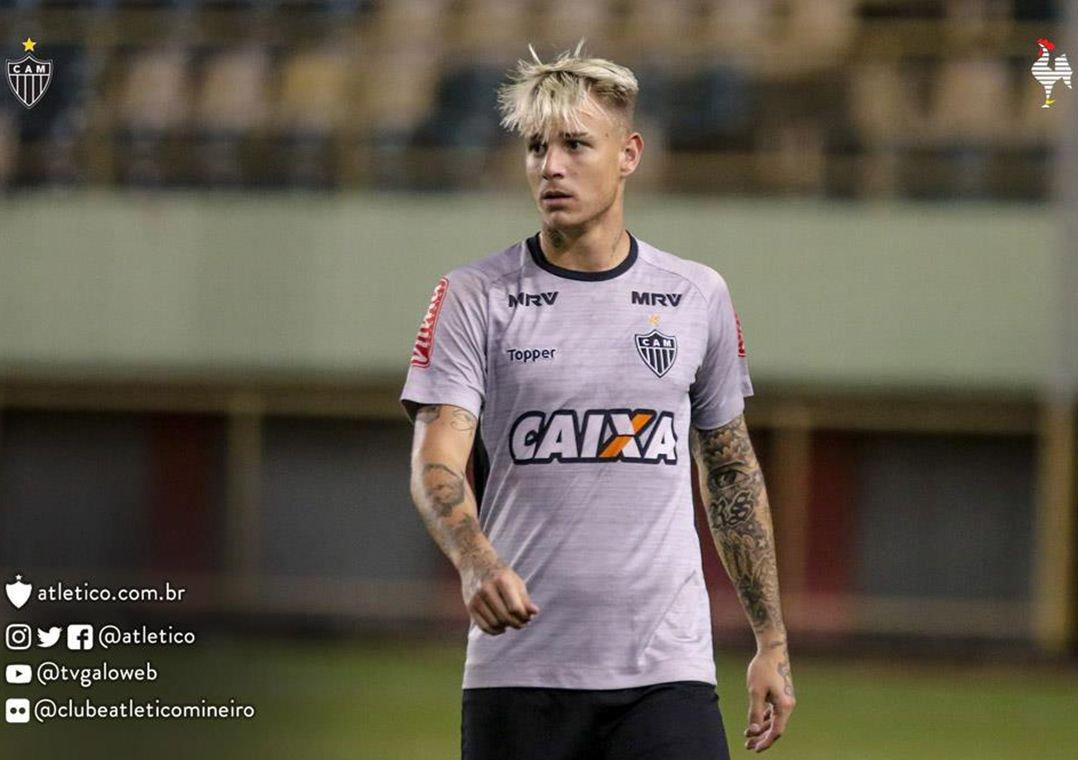 Após substituição, Róger Guedes se desculpa por reação no Atlético-MG. O atacante utilizou suas redes sociais para pedir desculpas sobre o acontecido, da última quarta-feira, na Vitória sobre o Figueirense.