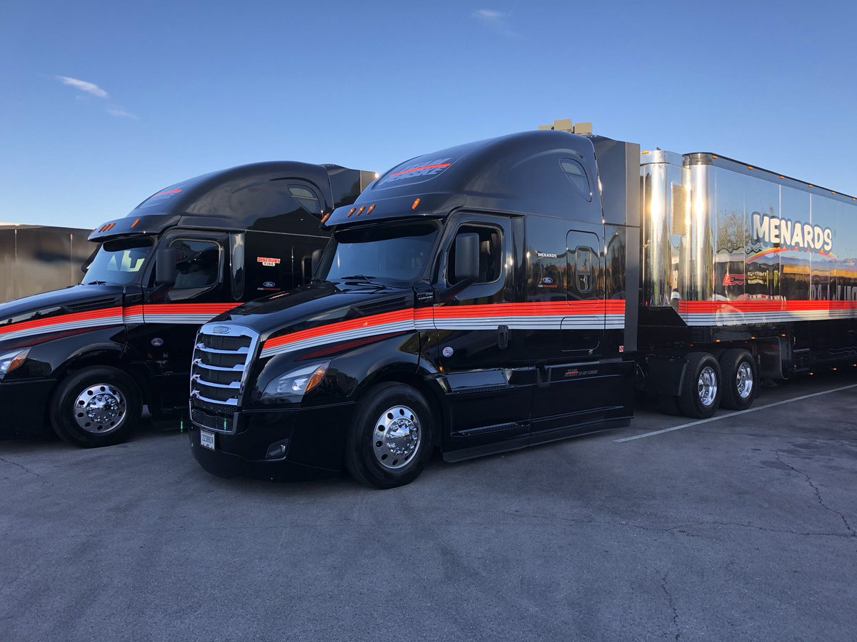 Freightliner Las Vegas >> Team Penske On Twitter Getting The Freightliner Trucks